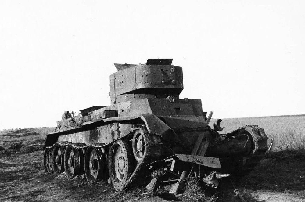 БТ-7 разбитый