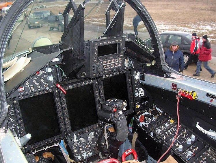 Кабина МиГ-35