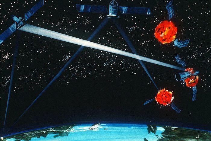 Уничтожение спутников лазером