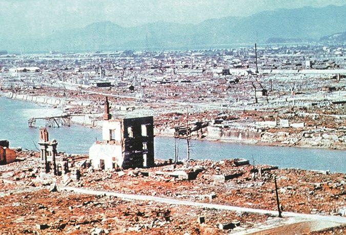 Уничтоженные взрывом здания