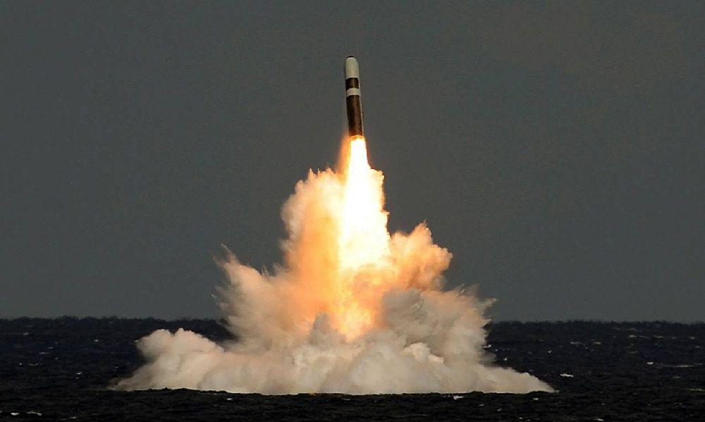 Пуск ракеты с ПЛАРБ