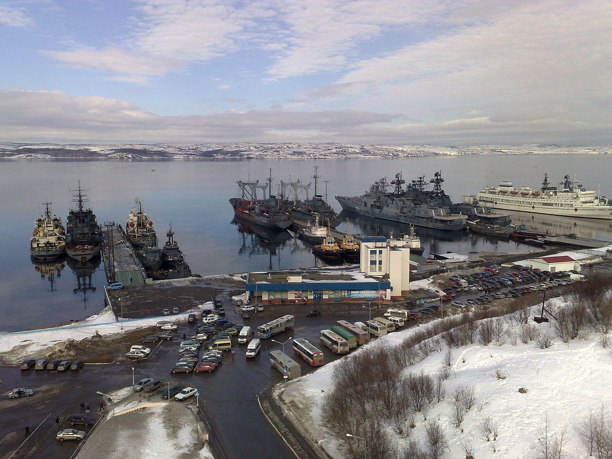 Стоянка кораблей Североморск