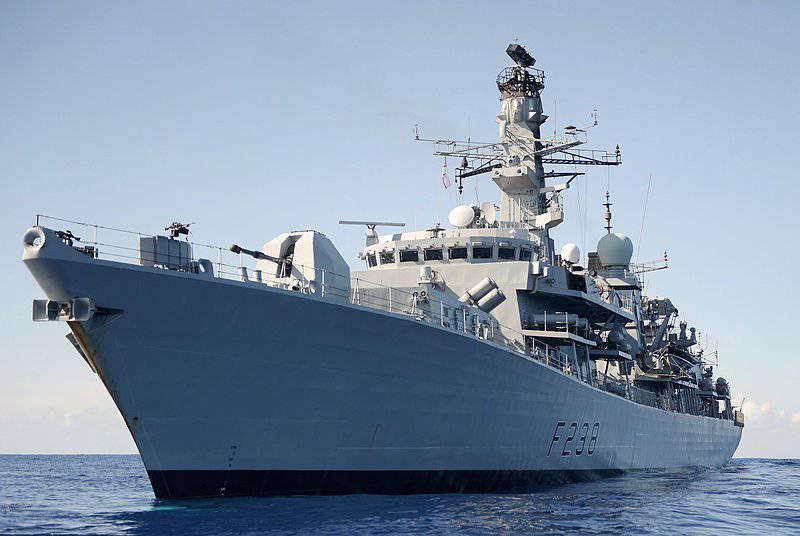 Зенитные орудия на корабле