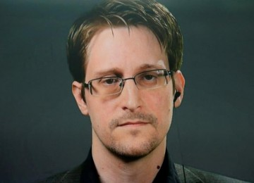 Сноуден: почти все продукты из США специально заражены