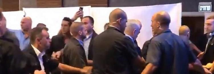 Нетаньяху высмеяли за спешное бегство от «палестинских ракет»