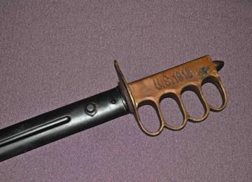 Траншейный нож — самое известное окопное холодное оружие двух мировых войн