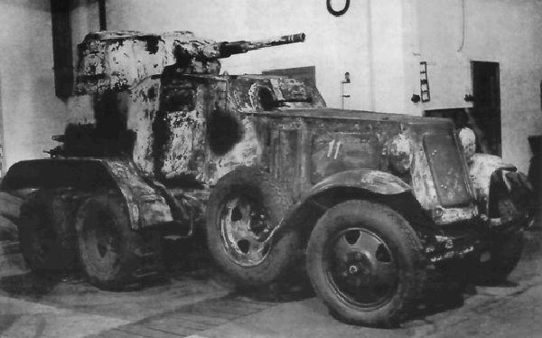 Машина, расстрелянная на полигоне