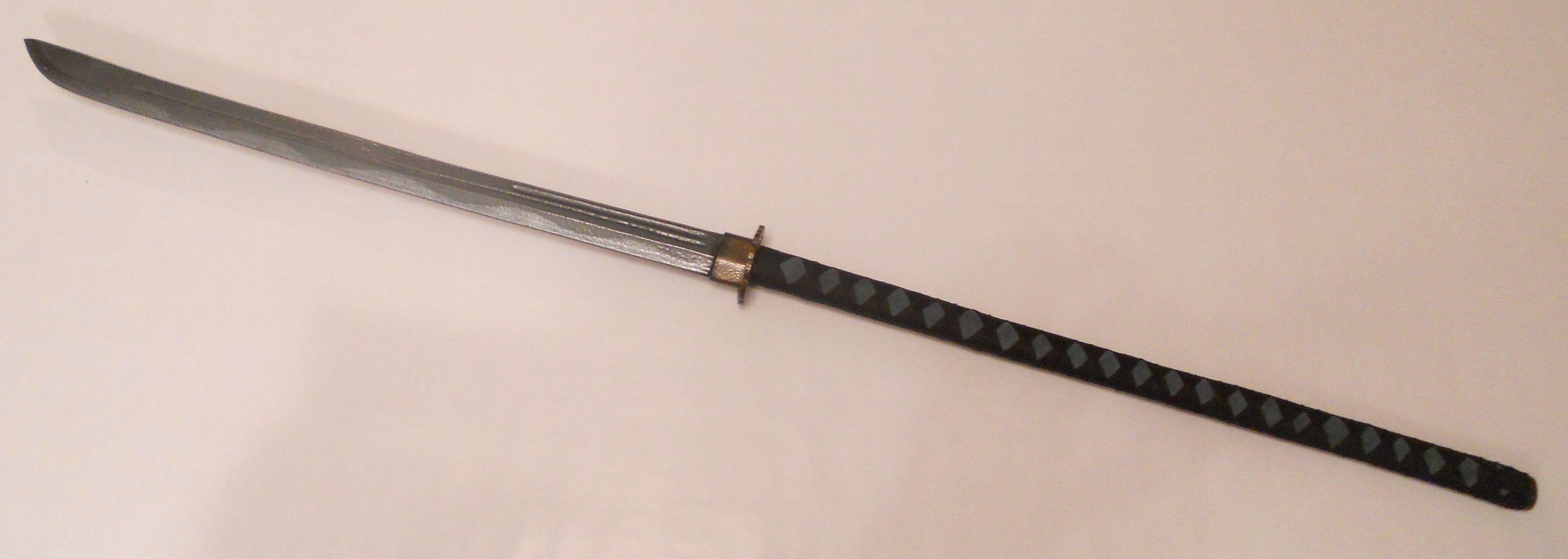 Нагамаки с прямым клинком