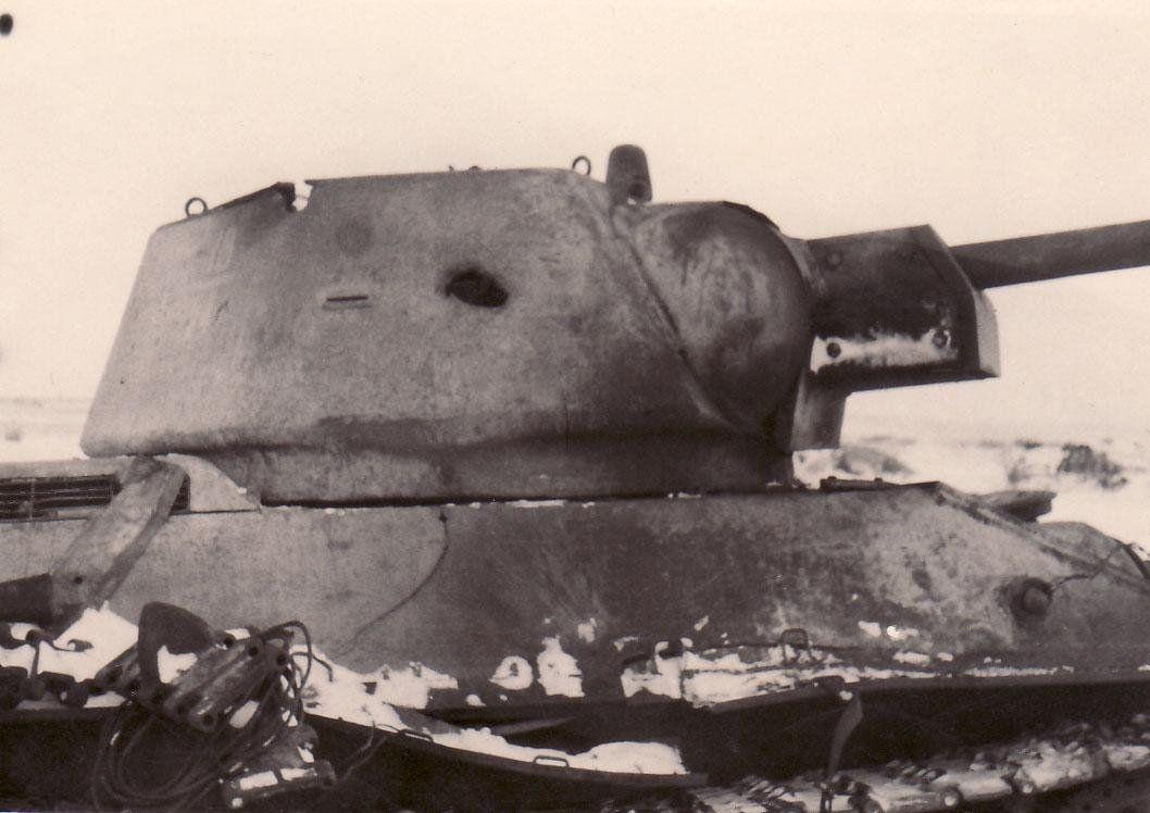 Подбитый танк Т-34-76