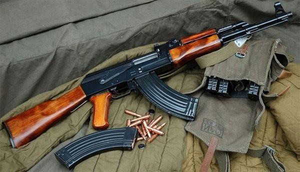 АК-47 с рожком