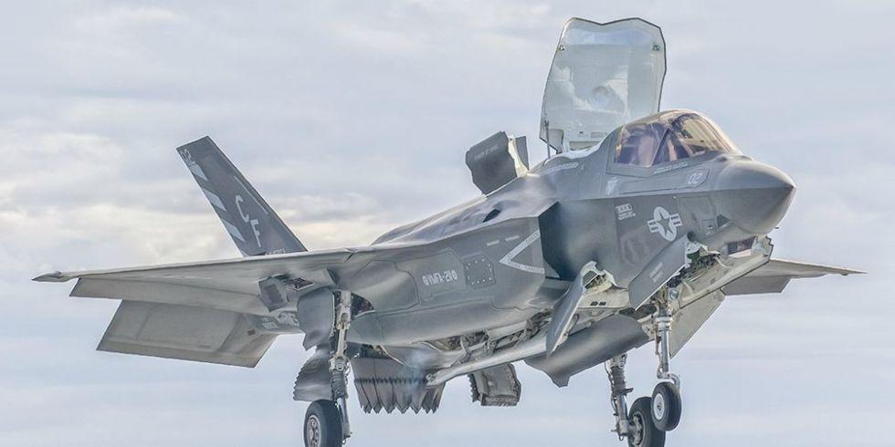 F-35 в небе