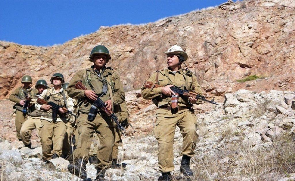 Группа солдат в горах