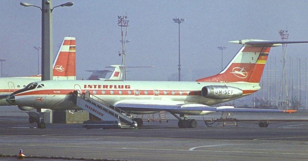 Самолет в ГДР