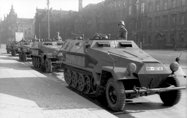 SdKfz 251 в Берлине