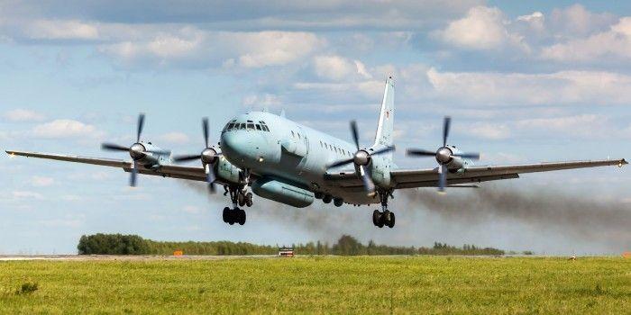 Взлет Ил-20