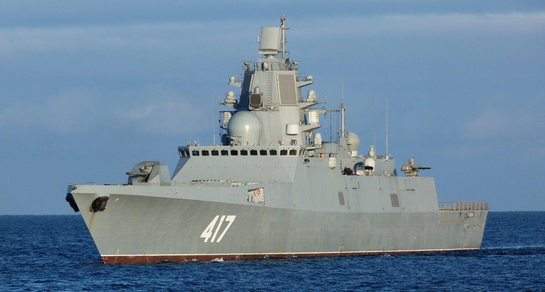 """Адмирал Горшков"" в море"