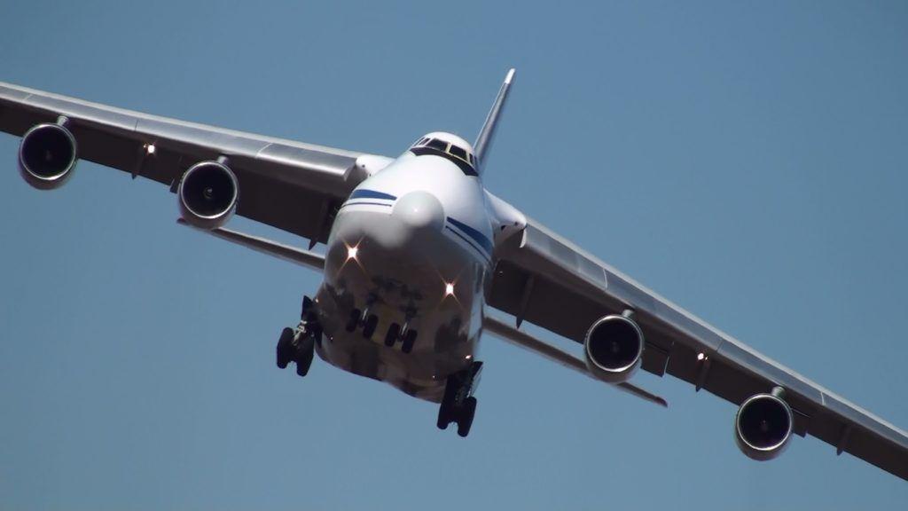 Ан-124 в полете