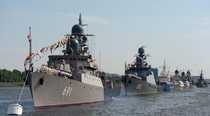 Каспийская военная флотилия в строю