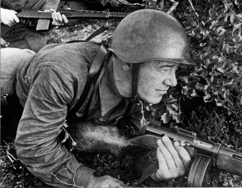Солдат с ППД-40
