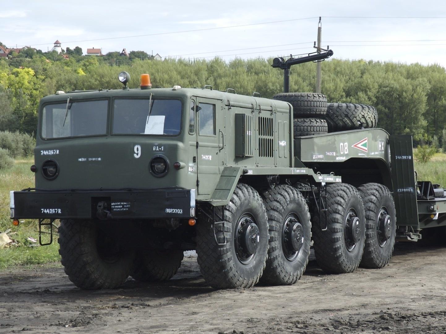 Тягач МАЗ-537