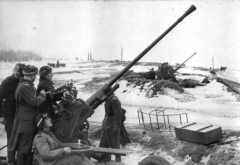 Зенитная пушка времен ВОВ