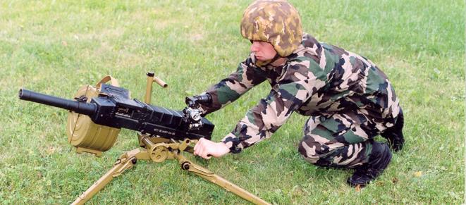 Солдат с АГС-30