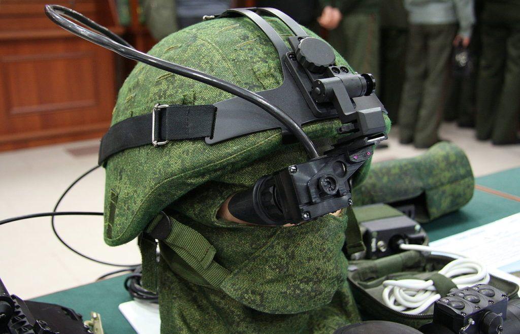 Защитная армейская каска