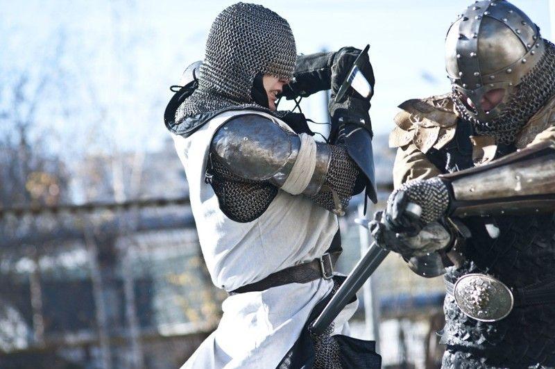 Бой на мечах