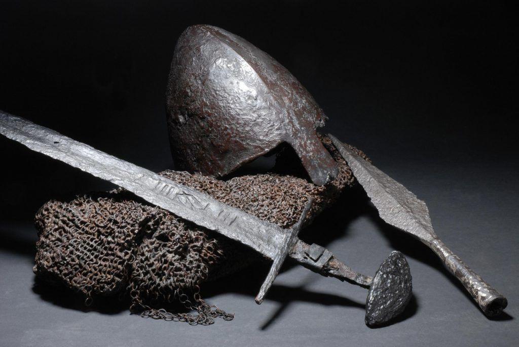 Древнее оружие и доспехи