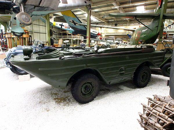 ГАЗ-46 в ангаре