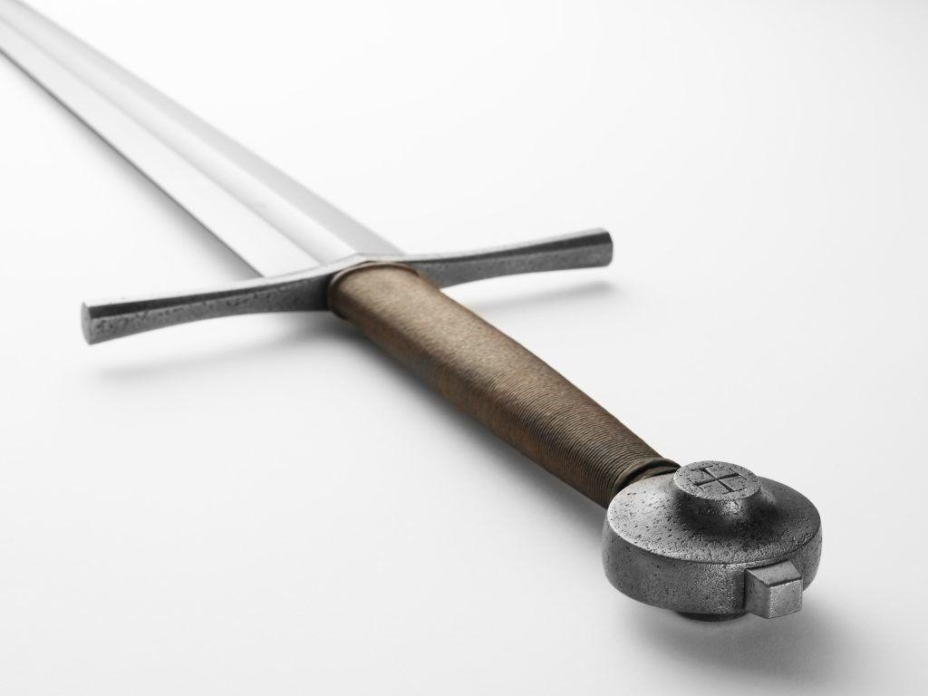 Навершие меча