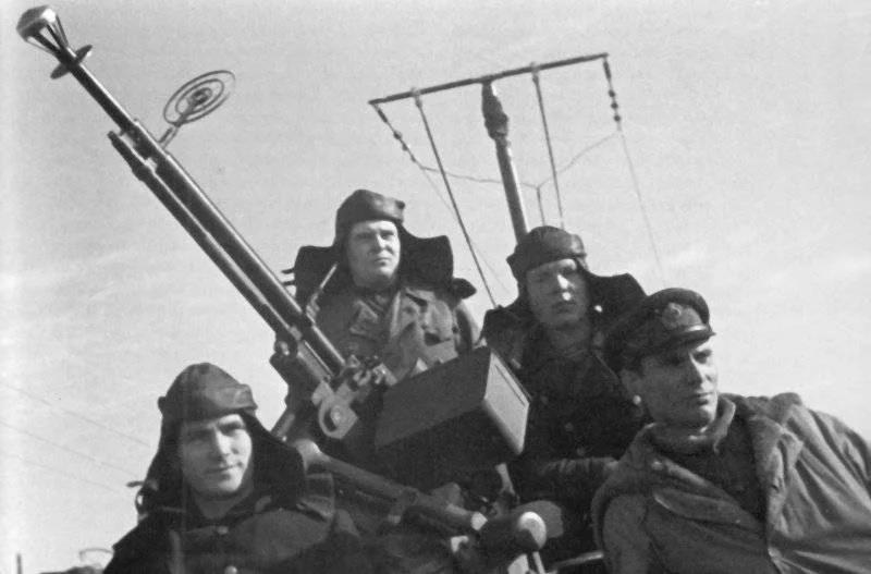 Солдаты с ДШК