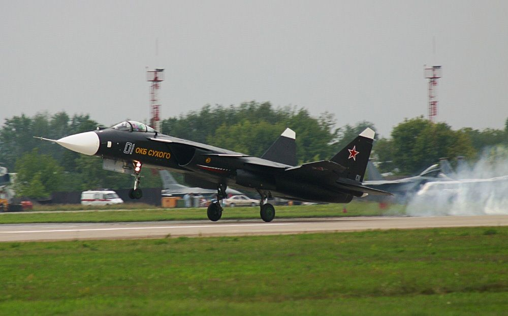 Взлет Су-47