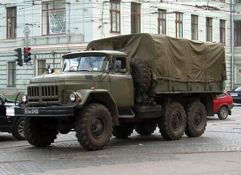 ЗИЛ-130 на улицах