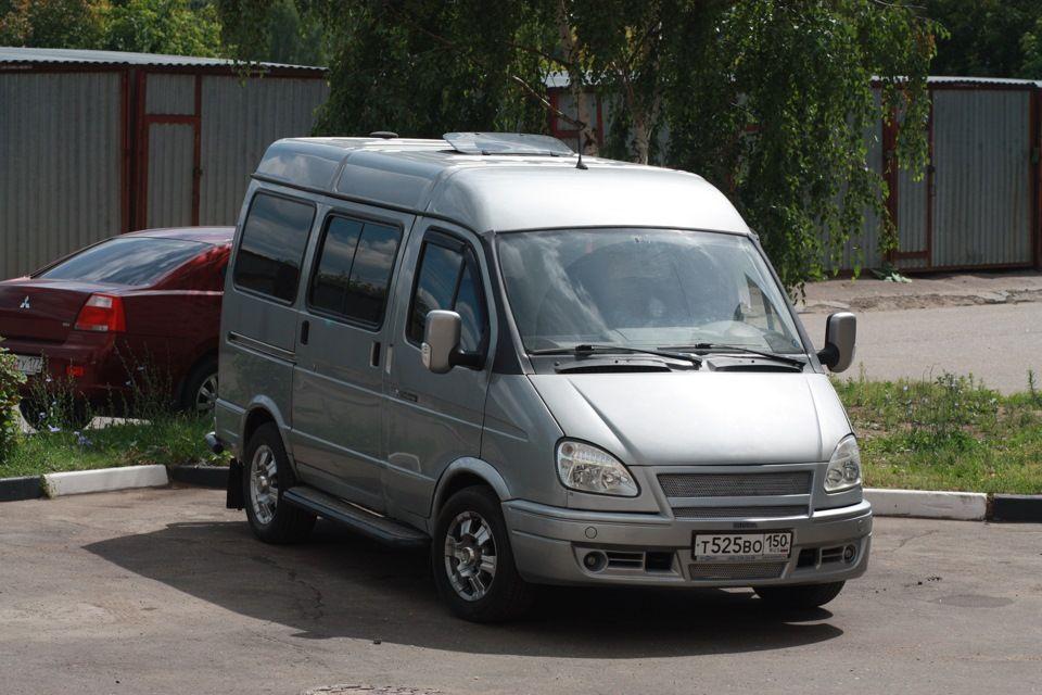 ГАЗ-22171 на стоянке