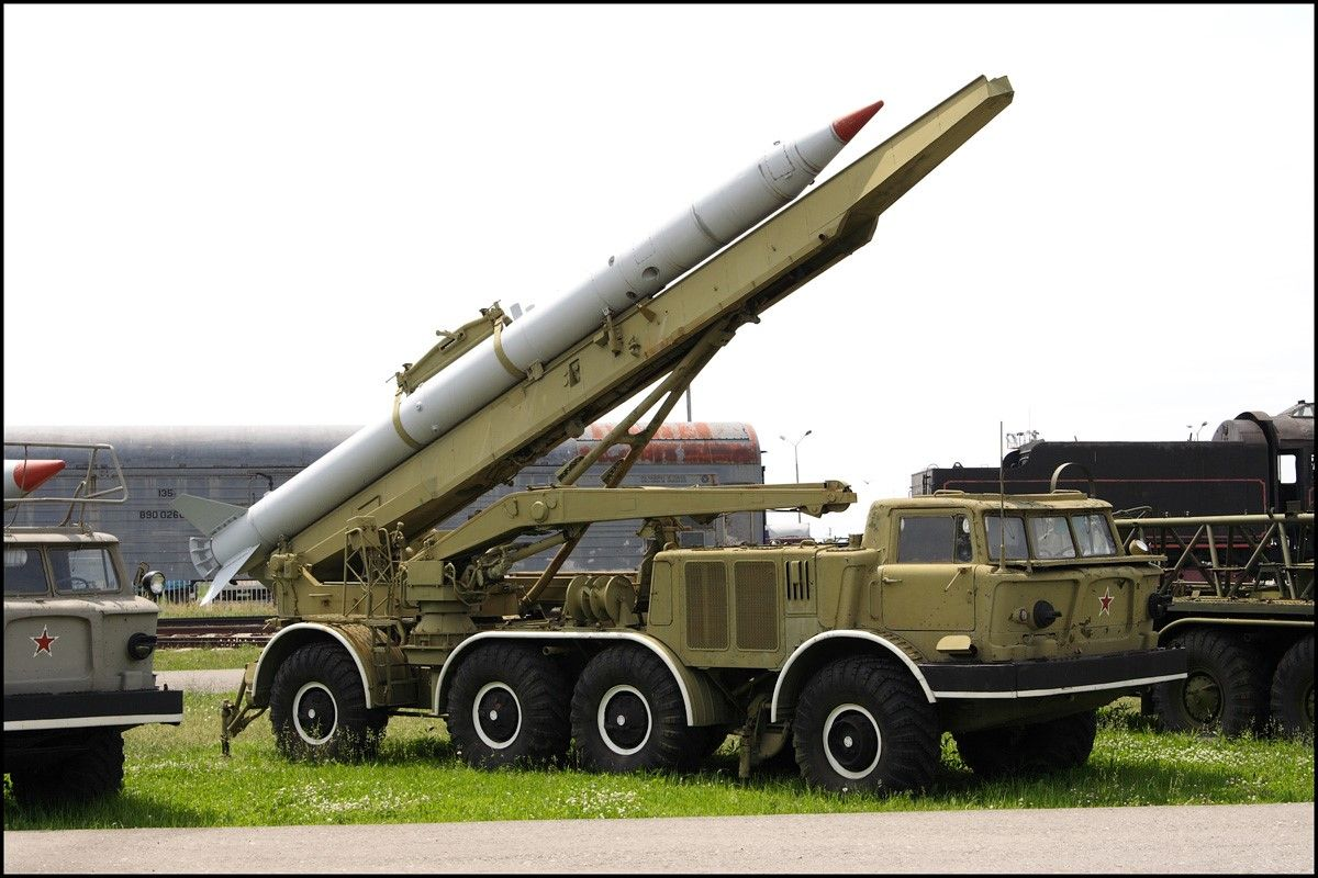 ЗИЛ-135 с ракетой