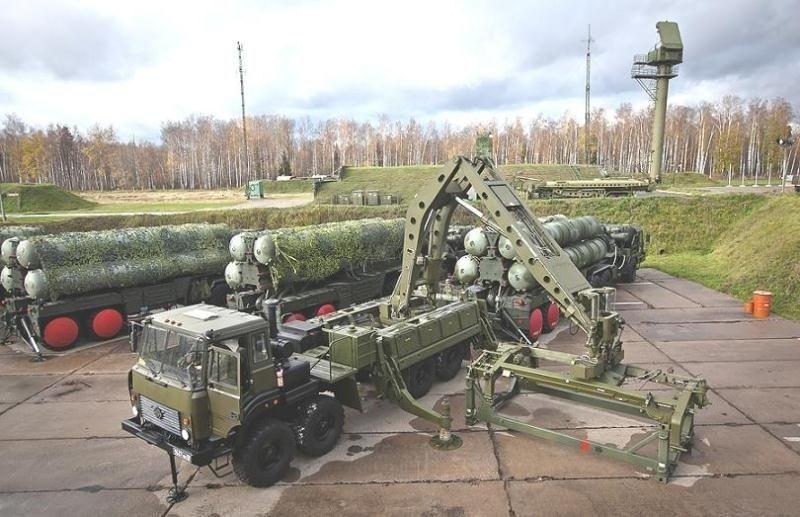 """ЗРК С-400 """"Триумф"""""""