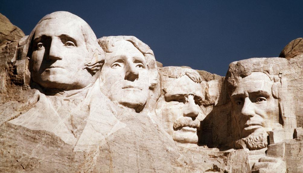 Барельеф президентов США