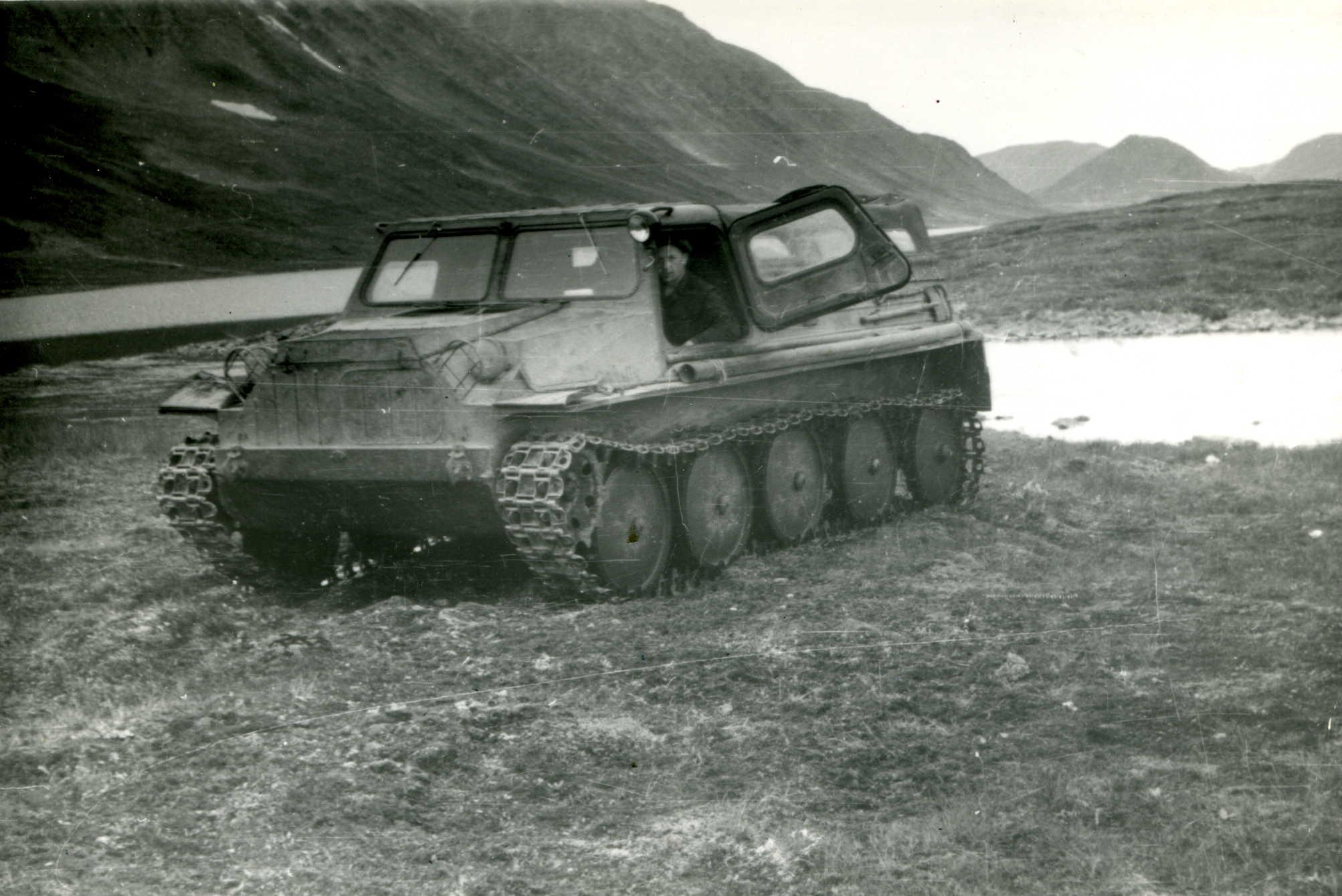 ГАЗ-47 с водителем