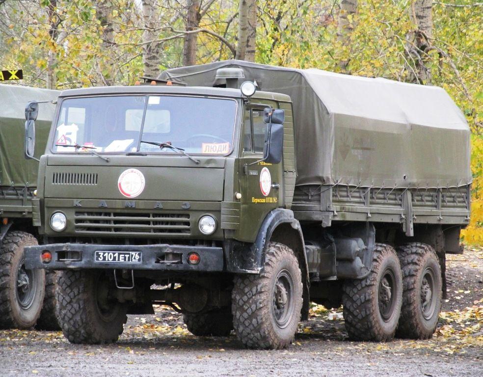 КАМАЗ-4310 в лесу