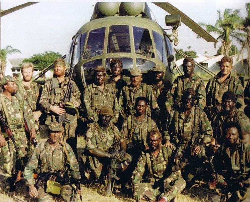 Наемники и вертолет