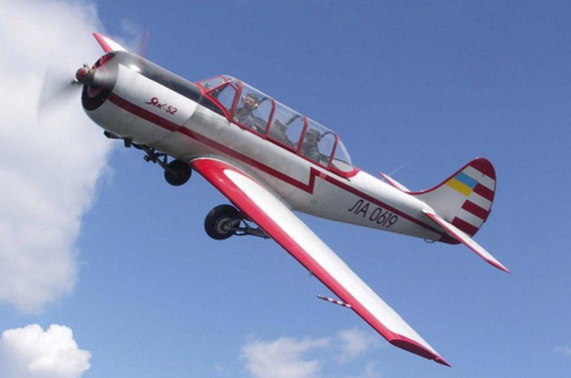 Як-52 в полете