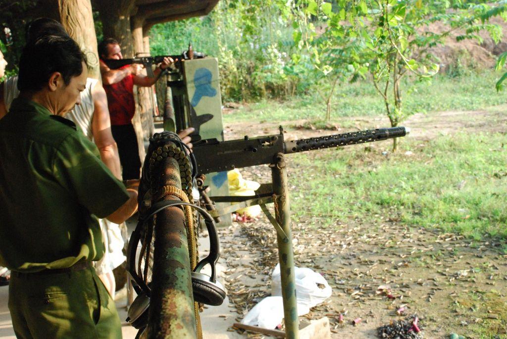 Вьетнамцы с оружием