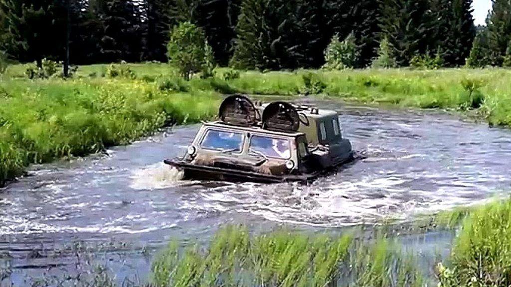 ГАЗ-71 в воде