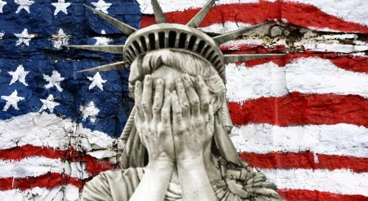 Плачущая Статуя свободы
