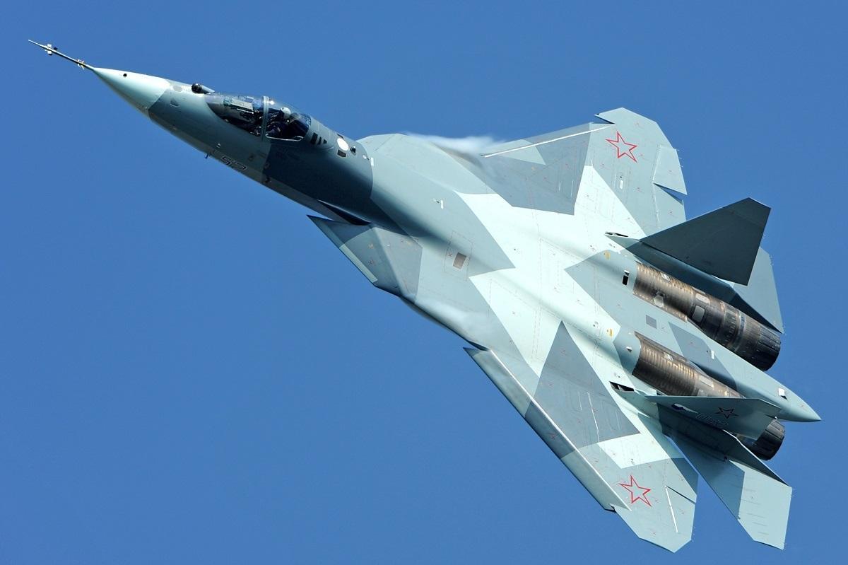 Су-57 в воздухе