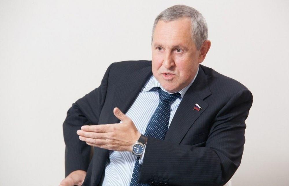 Депутат Белоусов