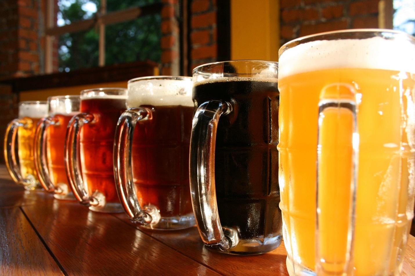 Кружки с пивом