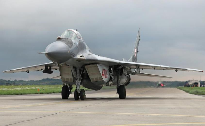 МиГ-29 на ВПП