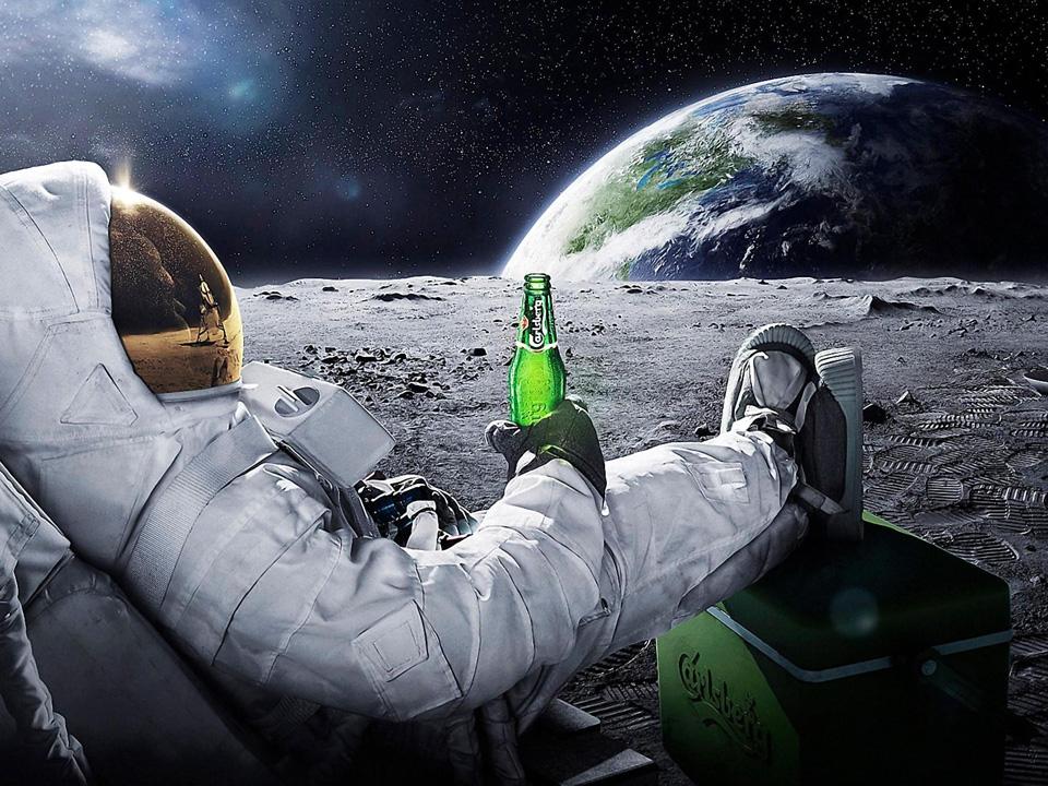 Турист на Луне